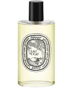 An ode to the sun and to the Dolce Vita of summer siestas under the shade of a southern Italian grove. Among the citrus fruit is set a fresh picked, sparkling and clear bergamont. The scent of neroli rises to kindle the middle notes of orange blossom, Egyptian geranium, white musk and vibrant cedar wood.