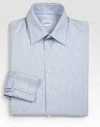 A business essential with a modern fit tailored in Italian cotton.Button-frontPoint collarCottonMachine washImported
