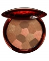 With a unique combination of bronzing shades, vibrant colors and fine pearlescent particles, Terracotta Light Bronzing Powder is THE ideal powder for a luminous make-up finish, a flawless bare-skin effect. Available in 4 shades, each designed to create a healthy sun-kissed glow.