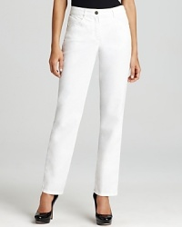 Fresh white denim takes to a sleek, straight-leg cut for a polished silhouette. Pair these BASLER jeans with pumps and a floral blouse for a night out or dress down the pair with sandals and a slouchy tank.