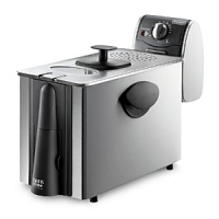 Deep fry like a pro with the De'longhi Dual Zone Deep Fryer, utilizing innovative technology that prevents lingering odors, features a patented easy-clean draining system as well as preventative safety features that allow for worry-free frying.