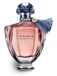 Shalimar Parfum Initial is an initiation to sensuality. Discover this luminous amber-floral fragrance. The fresh burst of bergamot gives way to a delicate floral heart: an orchestrated overdose of rose, jasmine and iris. The vanilla and tonka bean base instantly creates addiction, like the captivating feel of cashmere on bare skin.