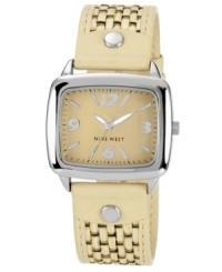 A natural beauty, this casual watch from Nine West adds a quaint touch to your look.
