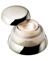 Extend the look of youth with newly re-formulated Advanced Super Revitalizing Cream. Patent-pending Bio-Revitalizing Complex reinforces skin's elastic fibers, the key to promoting skin's resilience and firmness. Prevent the first stages of line formation with this richly textured, ultra-hydrating formulation. Apply after cleanser and softener.