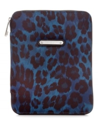 Give your favorite tech toy a bit of a bite with this leopard print case from Juicy Couture. The secure zip around closure and interior padding keeps your iPad safe while you're on-the-go.