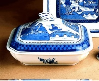 Mottahedeh Blue Canton Square Vegetable Bowl & Cover 9 x 10 in