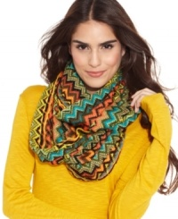 Make a move to mod accessorizing this season with this bold pattern infinity scarf from Steve Madden that adds instant allure to your winter wardrobe.