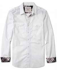 You choose your friends wisely as your do your shirts. Add to your shirt collection this fitted plaid interior long sleeve shirt by Guess Jeans.