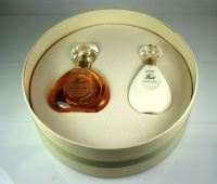 Van Cleef & Arpels First Gift Set for Women (Eau De Parfum Spray, Perfumed Body Lotion)